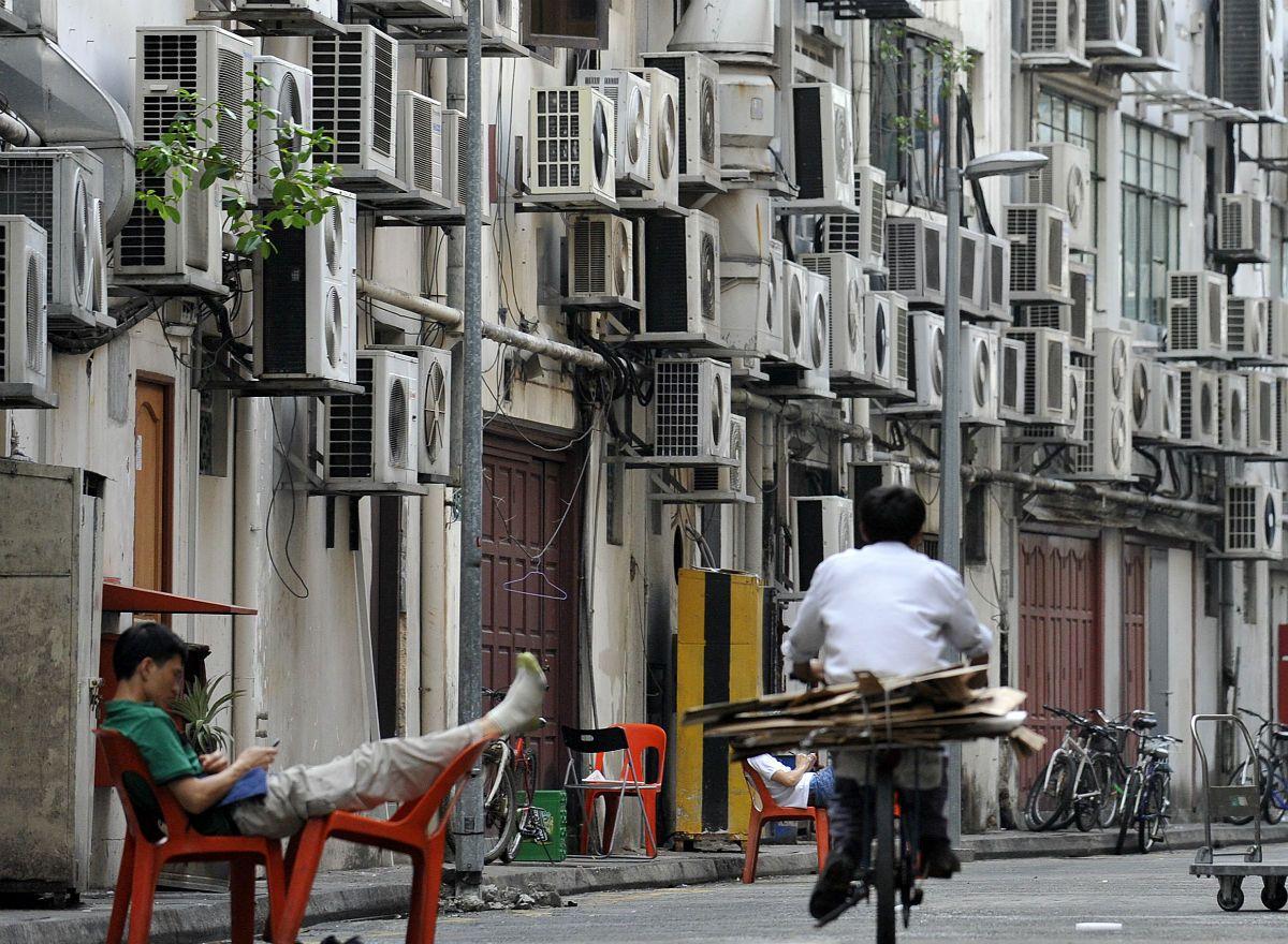 Países do sudeste asiático vivem um crescimento explosivo na demanda energética residencial, e o problema deverá se agravar à medida que mais e mais pessoas tendem ao ar-condicionado para lidar com o aumento da temperatura e o agravamento da poluição.